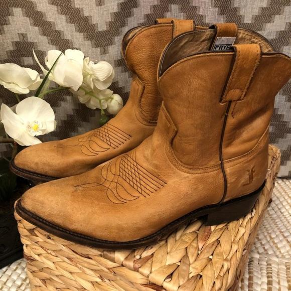 fe8ea5d1b2d Frye Distressed Tan Billy Short Western Boots